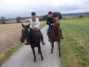 .. aber die Reiterinnen nicht weniger :-)